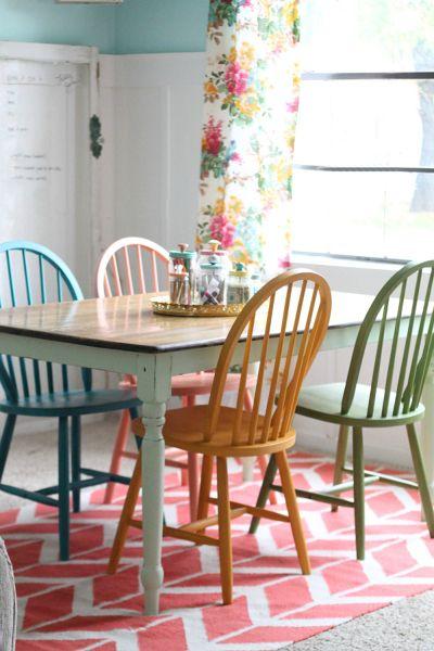 cinco trucos para actualizar las sillas de tu comedor