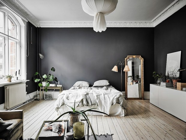 las paredes negras son muy elegantes, crean misterio y sensualidad