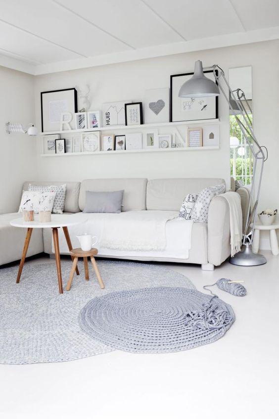 si tus muebles son actuales puedes usar blancos y dará sensación de bienestar