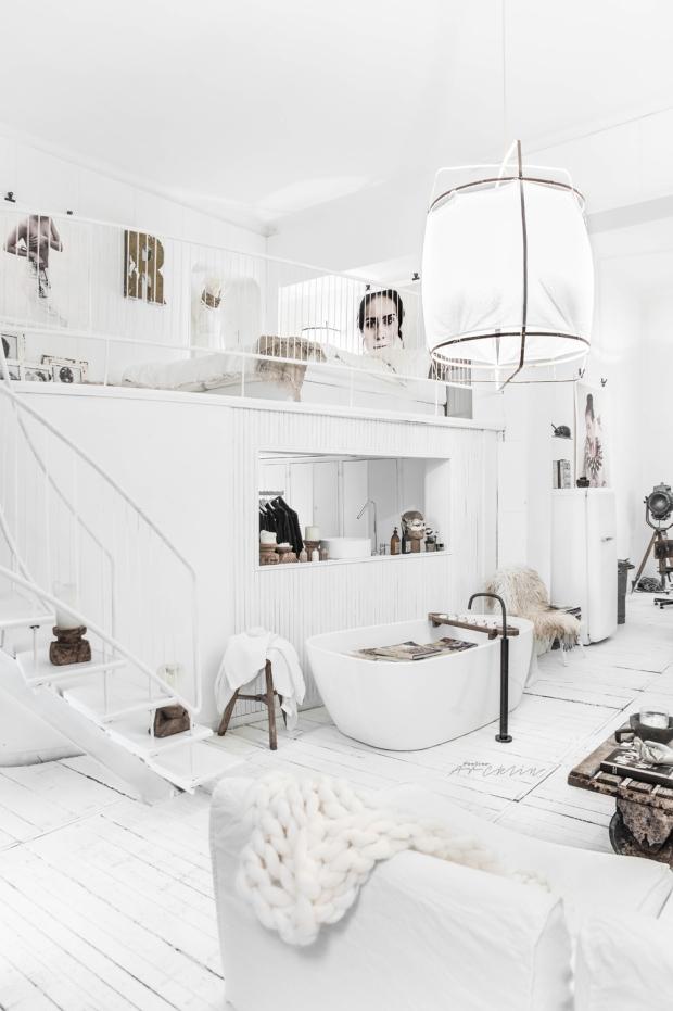 pinta la paredes en blanco con muebles blanco dará sensación de amplitud y luz a raudales