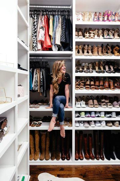 Los zapatos, pon en la balda de arriba los que menos te pones