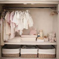 Ordenar los armarios con cajas de almacenaje para aprovechar mejor el espacio
