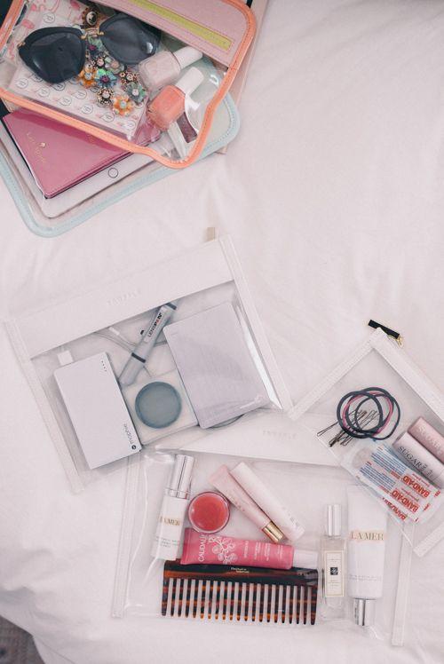 El método de Marie Kondo mantendrá ordenado tu bolso